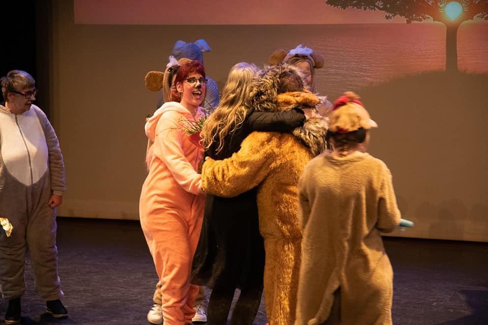 Een sucses vol optreden van Theater Trots met de leeuwenkoning onder regie van Karin Tromp